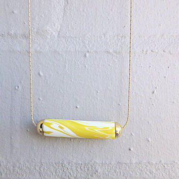 NL-090 White and Yellow Swirl Marble Vein Pattern Polymer Clay Tube with 16K Gold Plated Cap Necklace in 16K Gold Plated Chain
