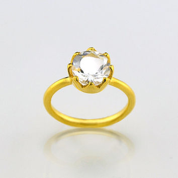 Round clear quartz ring - flower ring, gemstone gold ring, prong set ring,  April Birthstone ring, gold ring, princess ring for her