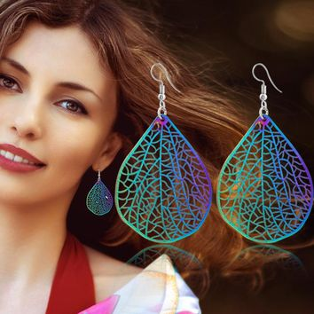 Metal Hollow Out Leaf Earrings [302110015529]