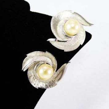 Brushed Silver Tone w/ Faux Pearl Earrings, Feather or Leaf Swirl, Signed Trifari, Clip on Style, Modernist Classic, 1960s 1970s Jewelry