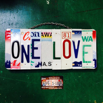 Love. Family. Teenage. Room. Sign. Name. Girl. Bob Marley. Hawaii. Rainbow