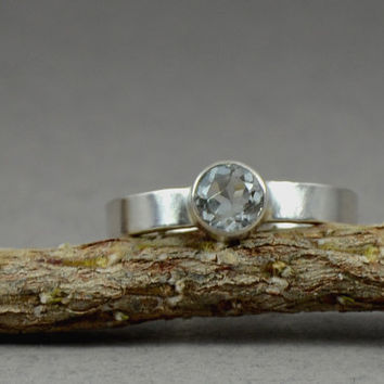 Aquamarine Faceted Gemstone Ring in Sterling by GioielliJewelry