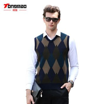 Mens Sweater 2017 New Autumn Winter Warm Soft 100% Pure Wool Men Pullover Vest Casual Solid Color V-Neck Slim Argyle Men Sweater