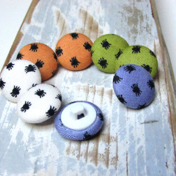 Fabric Buttons - 6 Small Buttons - Sewing Buttons - Halloween Fabric Covered Buttons - Sew buttons - White Orange Purple Green Halloween Mix