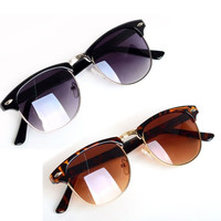 Classic Retro Womens Sunglasses. 2 Color Choices