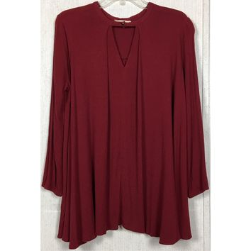 Izzy & Lola Choker Keyhole Blouse Burgundy Maroon Swing Tunic Top Cutout Neck L