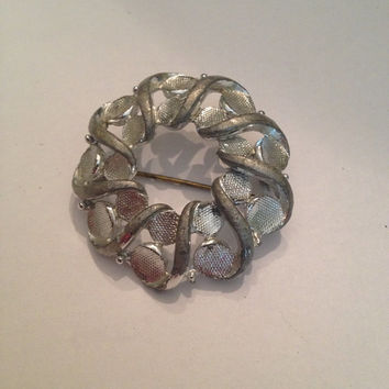 Vintage Silver Wreath Circle Brooch Costume Jewelry