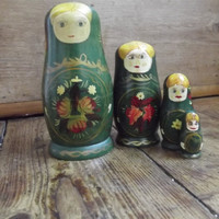 Russian dolls / ethnic / vintage home decor /  kitsch /  decoration / green tones / Dolly Topsy / Etsy