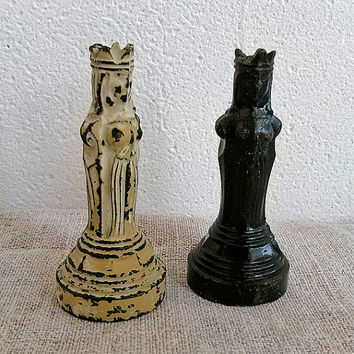 Set of 2 Vintage plastic chess piece, queen, white, black, Vintage, Toy, Game, Home decor, supplies, display, commercial, old, My wealth
