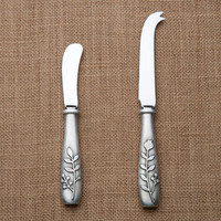 Beehive Kitchenware | Berry Cheese Knife & Spreader