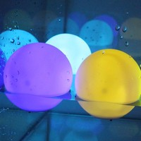AGPtek® 3¨ Mood Light Garden Deco LED Flashing Ball Floating Ball for Pool Ponds Parties 2 Packs