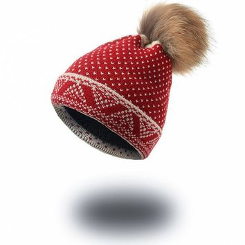 Winter New Style Men and Women's Heart Pattern Knitted Wool Hat Thick Plus Velvet Beanies Hat Raccoon Fur Ball Ski Cap ht8239