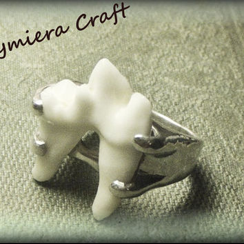LYCAN. Genuine Coyote Molar Tooth Set in Sterling Silver 4 Prong Setting- MADE to ORDeR in Your size