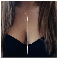 Cupshe Line-styled Pendant Necklace