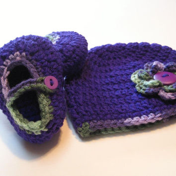 Crochet booties and hat set.  0 to 6 months.  Ready to ship.  Bright purple.  Spring.  Summer.  Photo Prop.