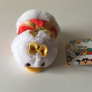 Disney Store Japan 2016 Daisy Holiday Christmas Mini Tsum Plush New with Tags