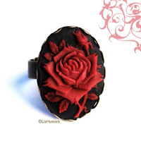 FREE Shipping. Gothic Rose Ring. Black and Red Rose Cameo. Adjustable Ring. Goth Victorian. Cocktail Ring