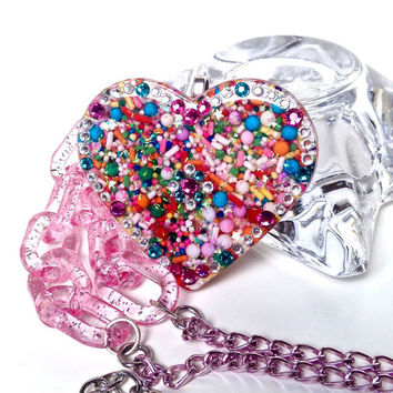 Big sprinkles heart pendant, candy necklace, candy resin jewelry, sprinkles jewelry, food jewelry, kawaii jewelry, sweet lolita, harajuku