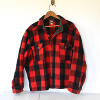 vintage 1940s Woolrich shirt. men's Large. Red black buffalo plaid wool hunting shirt. Black label Woolrich Woolen Mills mackinaw jacket