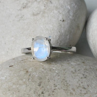 Oval Moonstone Ring- Rainbow Moonstone Ring- June Birthstone Ring- Stacking Ring- Promise Ring- Anniversary Ring- Gemstone Ring