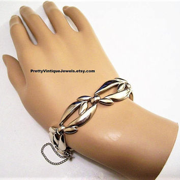 Monet Leaf Bracelet Silver Tone Vintage Open Large Curve Band Polished Metal Finish Curb Link Security Chain Foldover Spring Clasp Closures