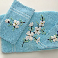 Vintage Bath Towels Blue Cannon 3 Piece Set Bath Hand Wash Cloth With Sewn On White Chenille Floral Design
