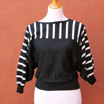 Vtg 80's Graphic Cropped Sweater Jumper boat neck Small Medium Black white striped bat wing sleeves dolman