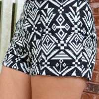 Amazing In Aztec Shorts: Black/White