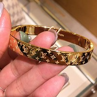 LV Louis Vuitton Trending Women Men Stylish High End Couple Stainless Steel Bracelet