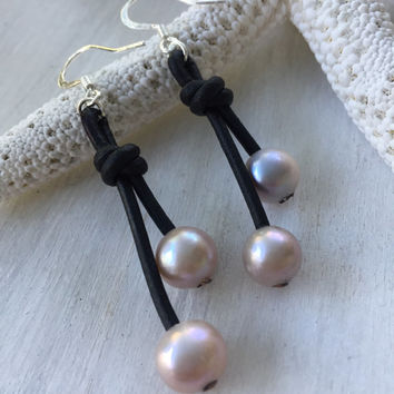 Leather pearl earrings, pink, leather and pearls,freshwater pearls, pearls, pearl on leather, pearl earring
