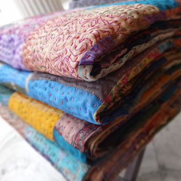 Patchwork Kantha Sari Quilt, Handmade Silk Bedspread, Reversible Kantha, Decorative Kantha Throw, Multicolor Bed Sheet / Bed Cover