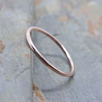 Simple Thin 14k Rose Gold Wedding Band in Choice of Finish - Smooth, Hammered, or Brushed / Matte / Satin
