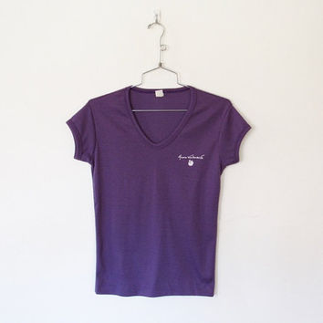 Vintage 1980s Gloria Vanderbilt / Purple Scoop Neck T-shirt / Fitted Pullover Top