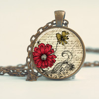 Pendant with Chain - An vintage old camara