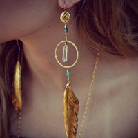 CRYSTAL FEATHERS /// Earthy Quartz Points Feather Hoops  /// Boho Tribal Earrings /// Gold or Silver