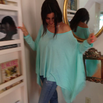 Loose Shirt / Oversize Mint Green Women Shirt  / Long sleeve Blouse / Yoga