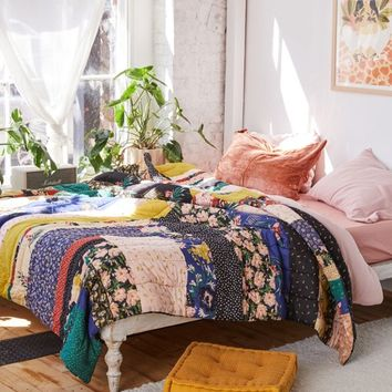 Allyce Patchwork Print Quilt | Urban Outfitters