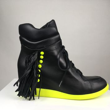 WEDGE SNEAKER WITH FRINGE