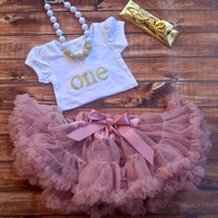 first birthday outfit, girl 1st birthday, pink pettiskirt, one year old gold shirt, birthday shirt, 1st birthday, one, skirt, rose skirt