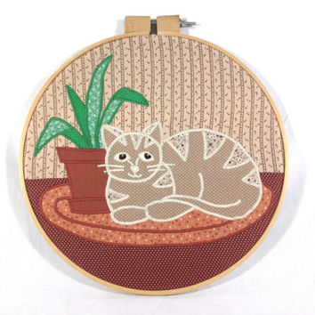 Adorable Quilted Cat Art Embroidery Hoop Frame Cute Cat Wall Hanging Cat Lover Cat Lady Decor Calm Meditating Kitty Applique Quilt Art Meow