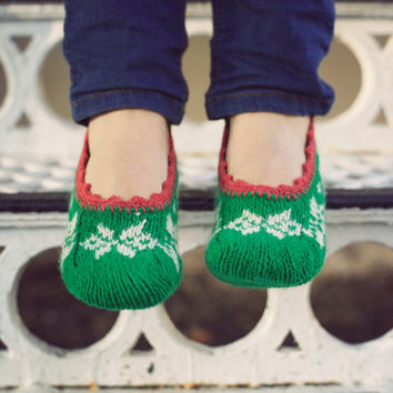hand knit green wool socks slippers for women