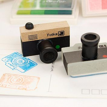 1Pcs Cute Lovely Korea DIY Wooden Retro Camera Rubber Stamps Seal For Kids Funny Toys 2 Models 2 Colors Decoration Signet