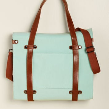 Camp Director Snapped Tote in Mint