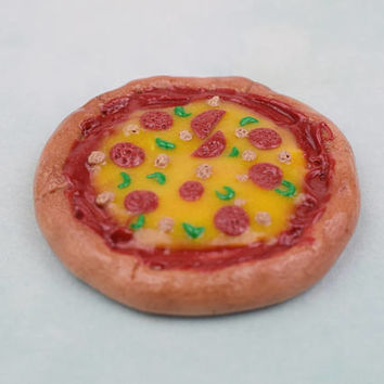 Polymer Clay Pepperoni Pizza | DollHouse | Handmade Gift | Miniature Food | Magnet | Realistic Fake Food | Pretend Play