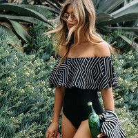 Swim Suit 2017 New Off The Shoulder Swimsuit One Piece Swimwear Women Padded Ruffle Swimming Suit Sexy Print Bathing Suits