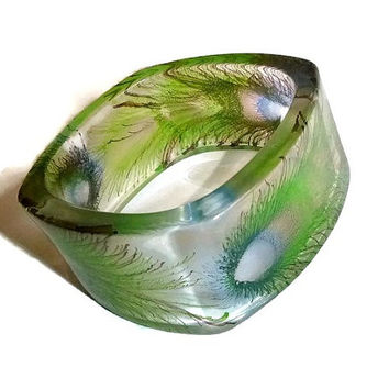 Vintage Lucite Bangle 1970's Boho Gypsy Bracelet Peacock Feathers Translucent Acrylic Bangle Bohemian Boho Hippie Chic Fashion Spring Trends