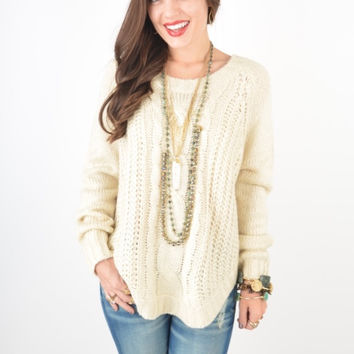 Cream Cable Knit Sweater With ROUND HEM