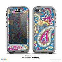 The Blue & Pink Layered Paisley Pattern V3 Skin for the iPhone 5c nüüd LifeProof Case