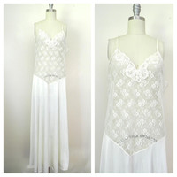 1960s White Vintage Sleeveless Lace Nightgown