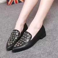 Leather Rivet Pointed Toe Shoes [4918350532]